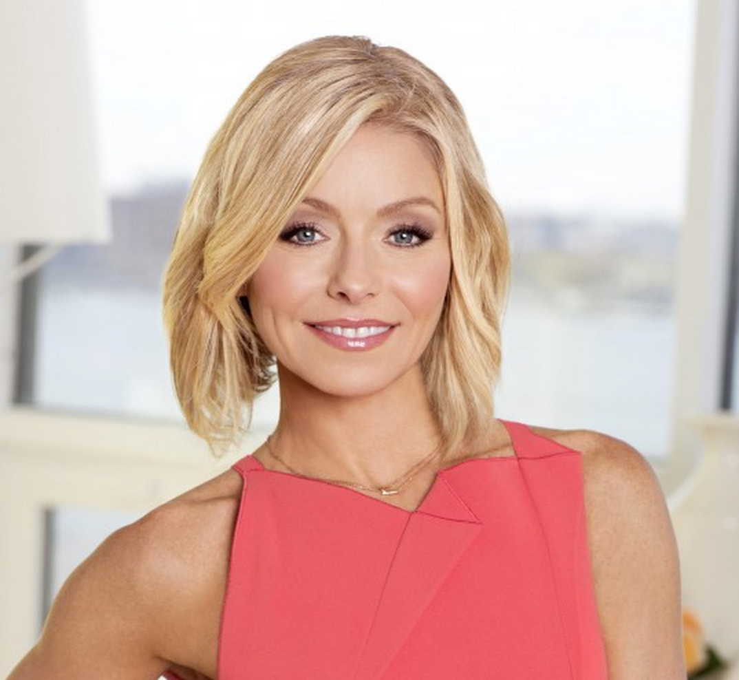 Kelly Ripa to be honored at #glaadawards in NYC; Anderson