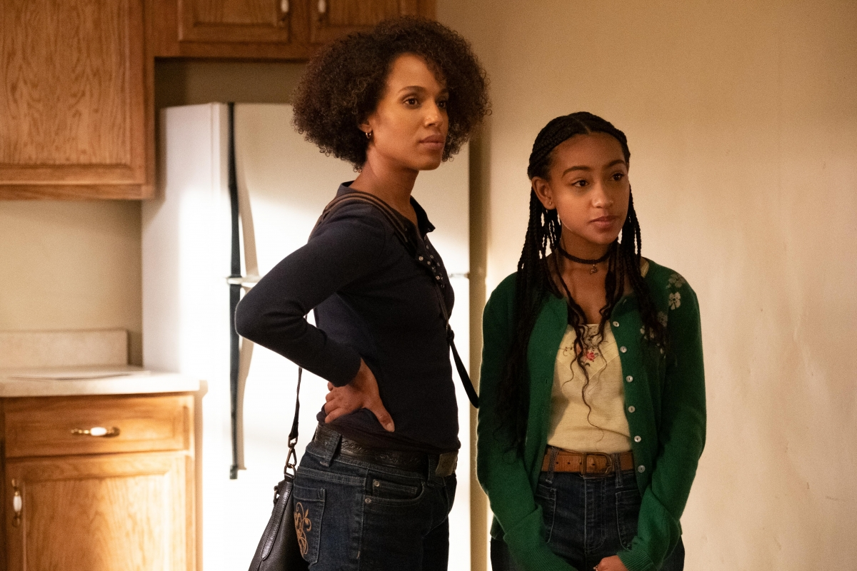 Kerry Washington and Lexi Underwood in Little Fires Everywhere