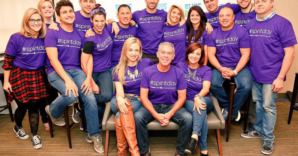 Elvis Duran and the Morning Show supports LGBT youth on # ...